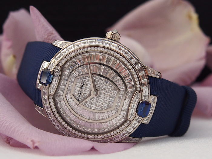 Roger Dubuis Velvet  Diamond and sapphire (photo c) Roberta Naas)